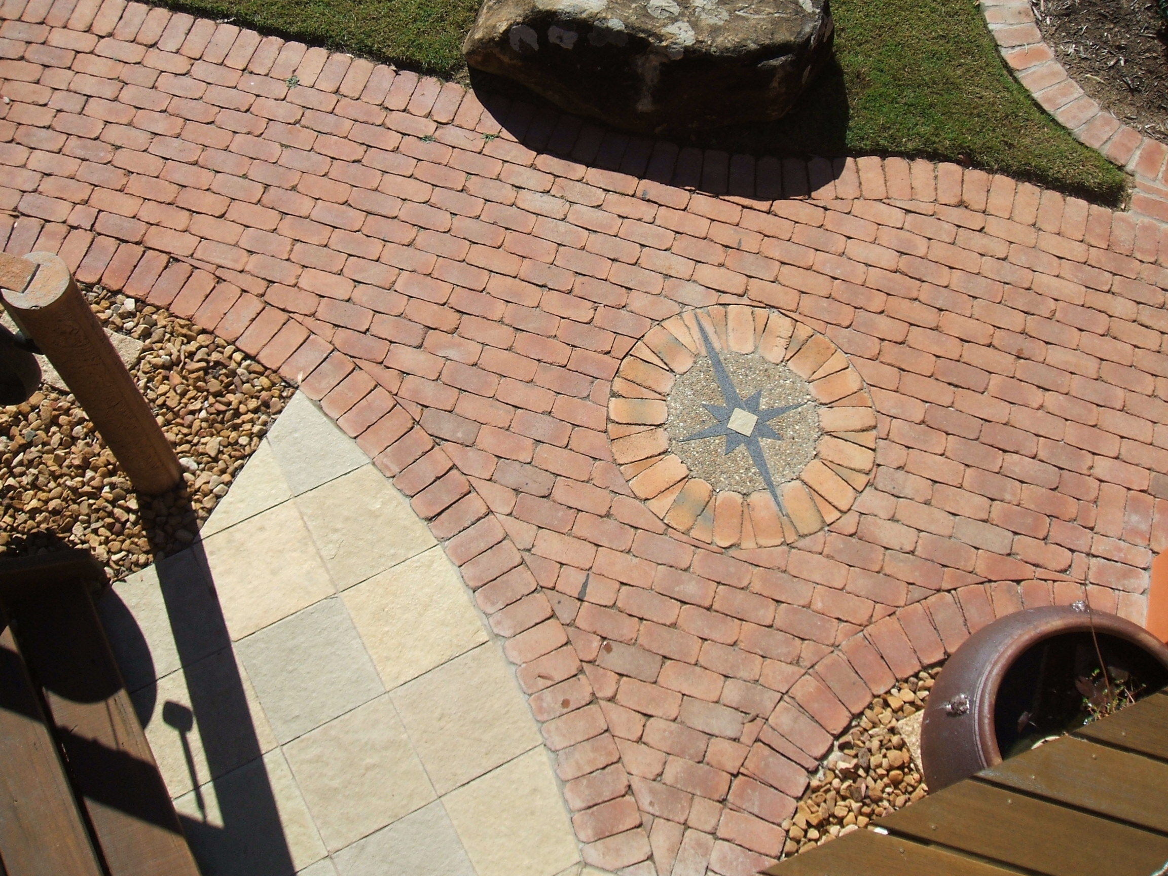 Clay brick paving compass