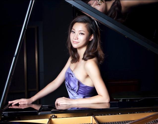 16.【演唱】《我爱你,中国》《我住长江头》《哈巴涅拉》钢琴伴奏