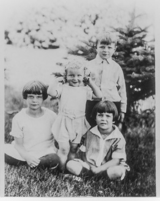 The Dalthorp family. American Midwest c. 1920