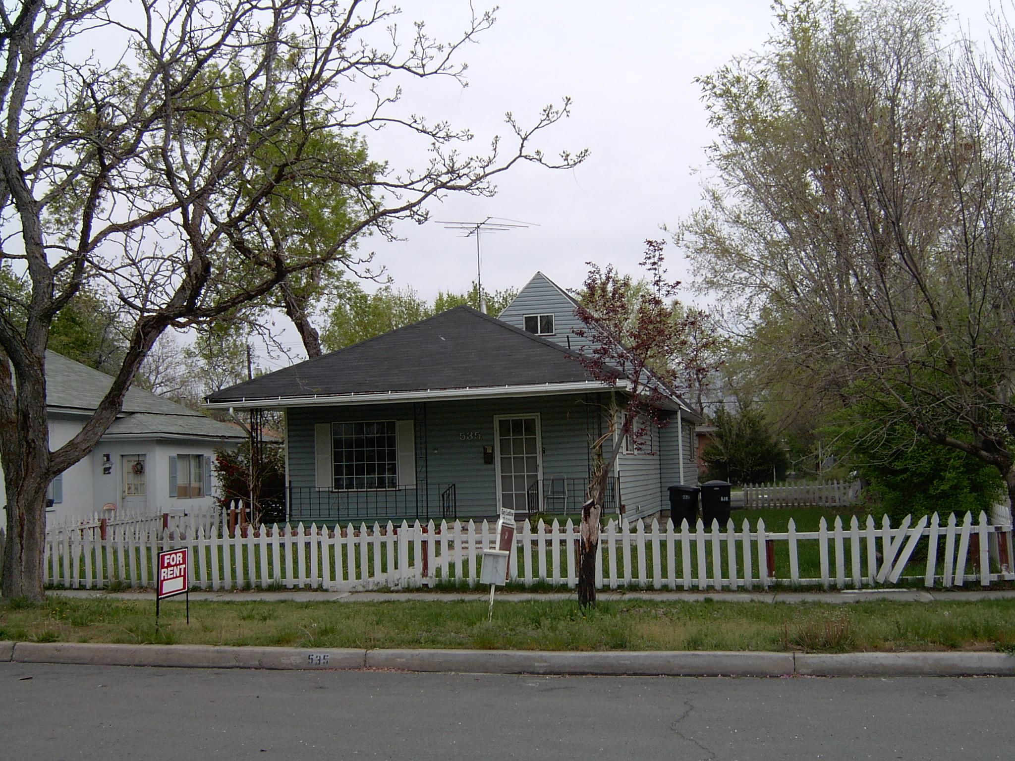 2004-1374P.JPG