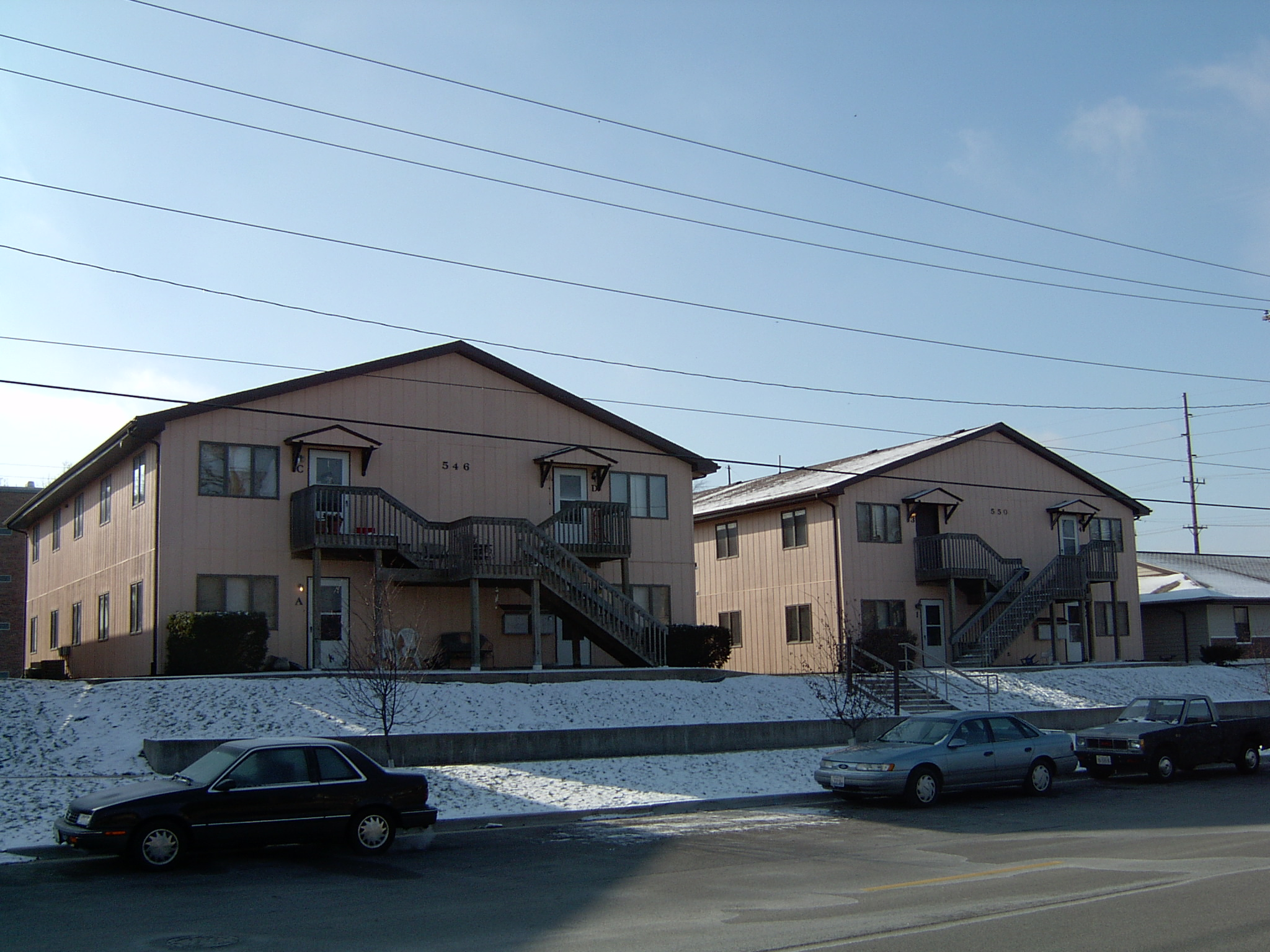 2005-1657-3P.JPG
