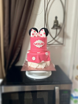 Minne Mouse pink and white themed tiered