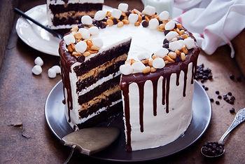 Chocolate Cake with peanut, caramel, cho