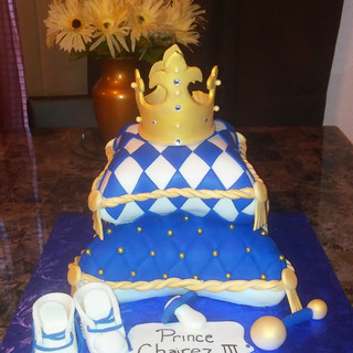 STACKED PILLOW CAKE with CROWN