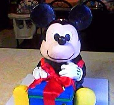 BABY MICKEY w/GIFT BOX