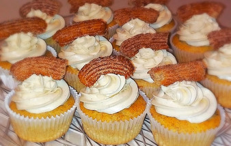 Cinnamon Churro Cupcakes