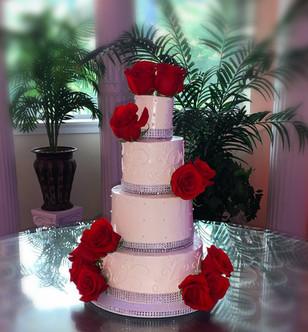 Traditional Tiered Wedding Cake w.scroll