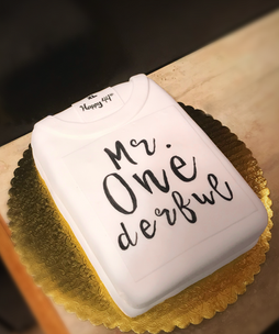 Mr. Wonderful T Shirt themed cake.png