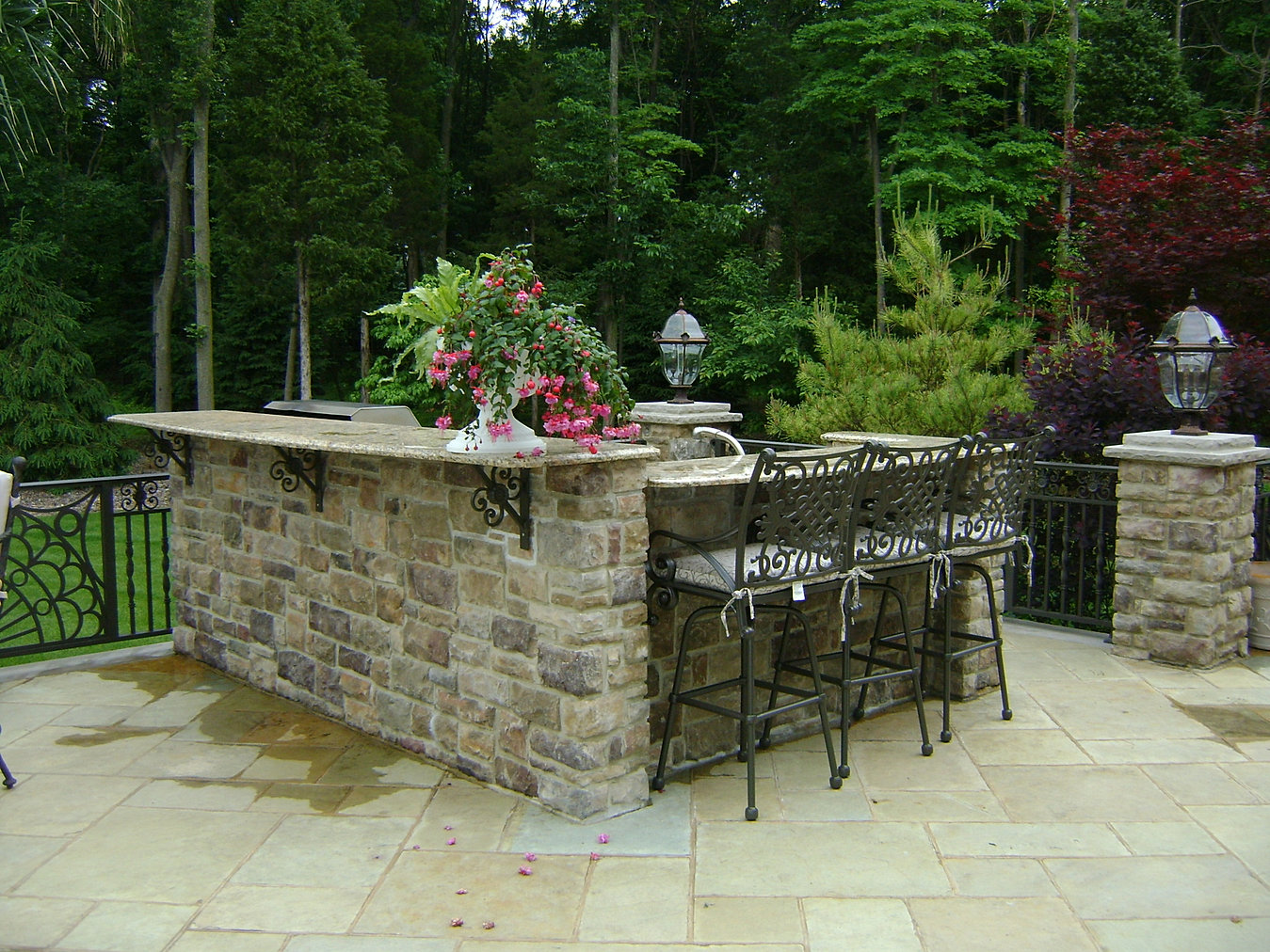 inspired stone|natural stone veneer|canada | outdoor kitchen ideas