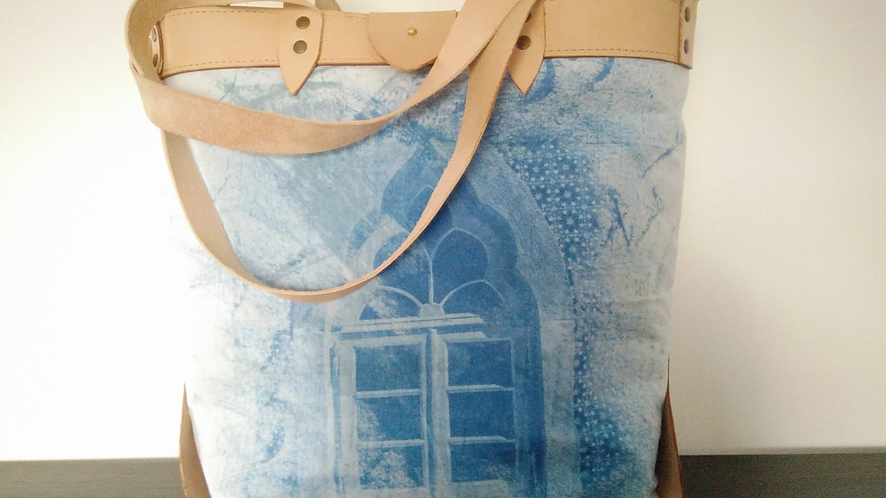 Shoulder Bag with triangles
