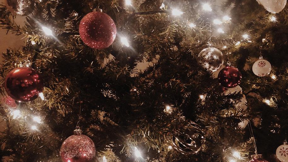 Holiday H - Background.jpg