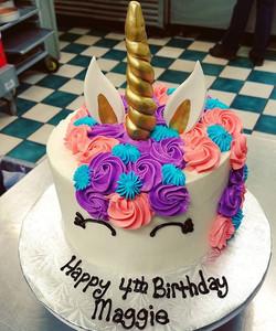 Unicorn cake! 🦄🎂💕🌈