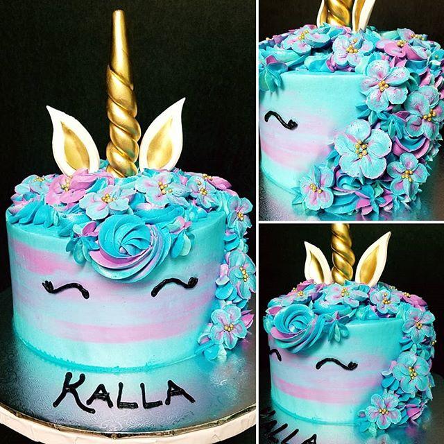 Kalla's cool unicorn cake! 🦄💙💜💙🎂_