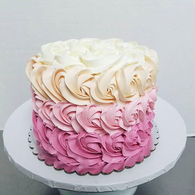 rose gold rosette cake! ._._._._._