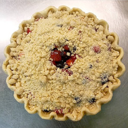 Mixed Berry Pie with Crumb Topping