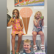 Kids in the beach chair