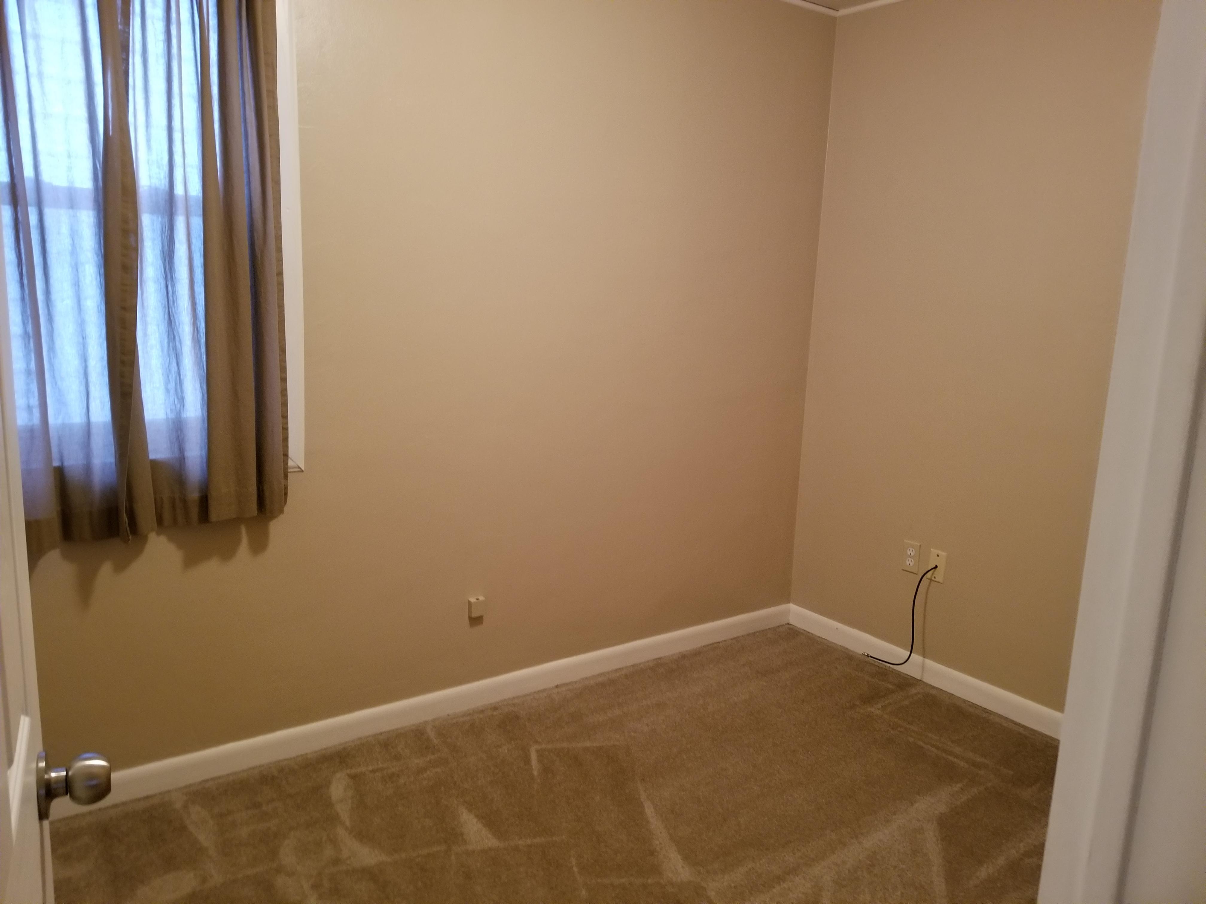 Small Bedroom-Den
