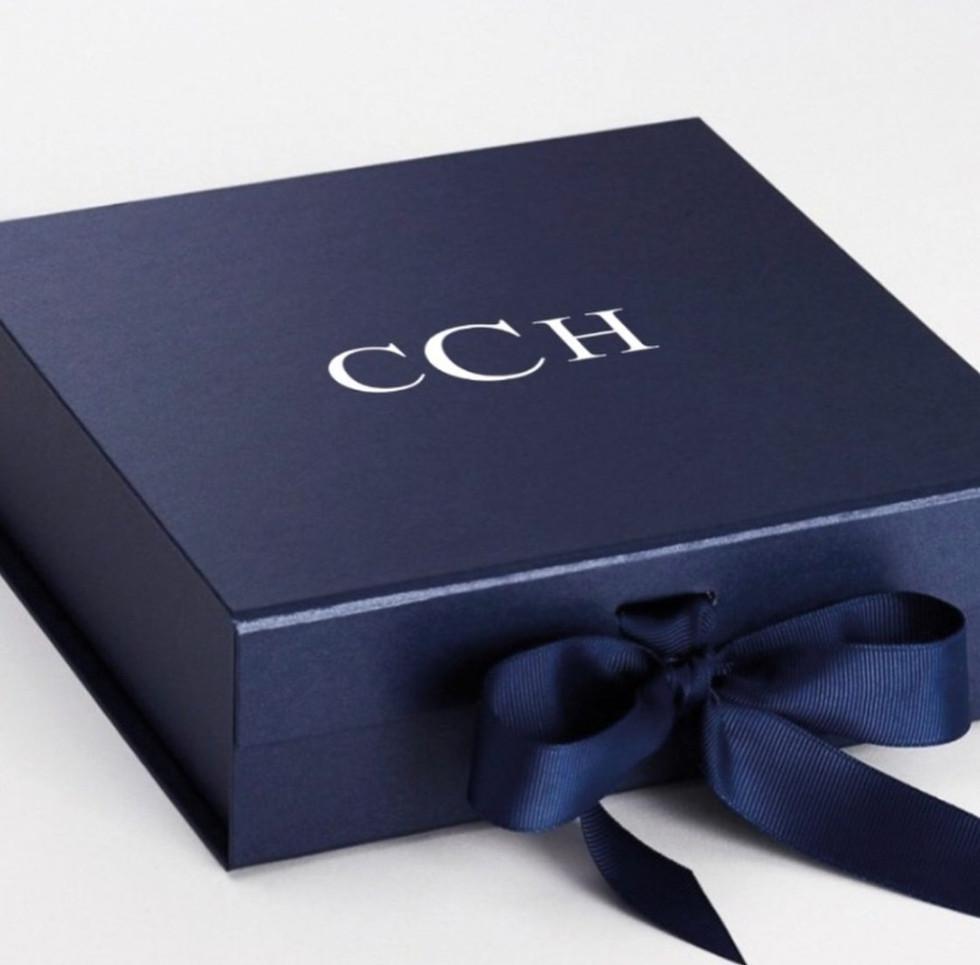 Custom gift boxes for every registrant.j