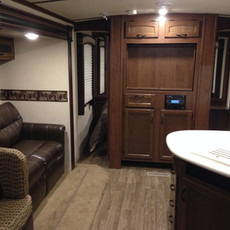 White Hawk - this unit DOES include a tv and a dvd/cd/radio stereo