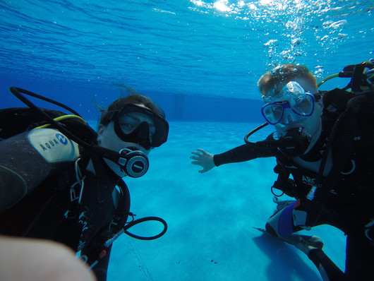 Underwater selfie