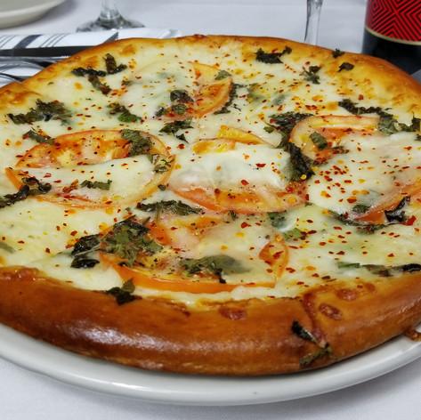 Margarita_Pizza.jpg