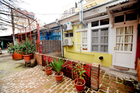 Courtyard & Private Patio