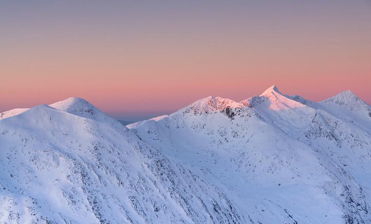 The Cruachan ridge winter light