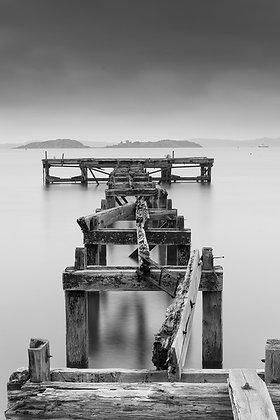 Black & White Pier Fife