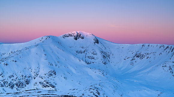 Winter sunrise over Stob Ghabhar