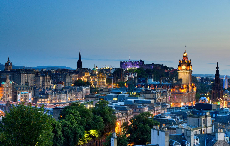 Edinburgh skyline 3 (2/5)