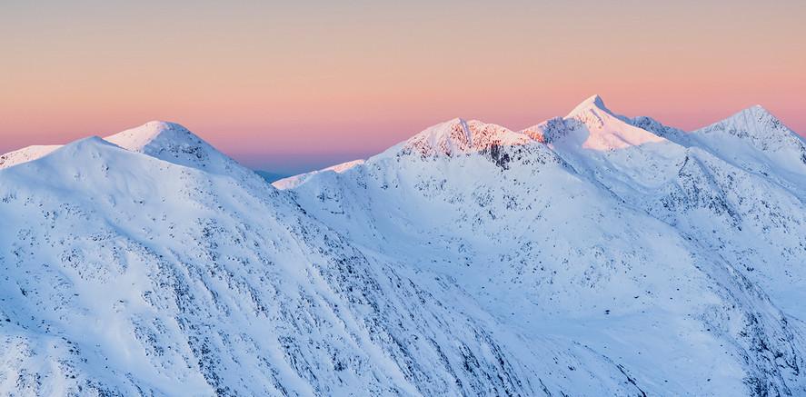 Sunrise over the Cruchan ridge
