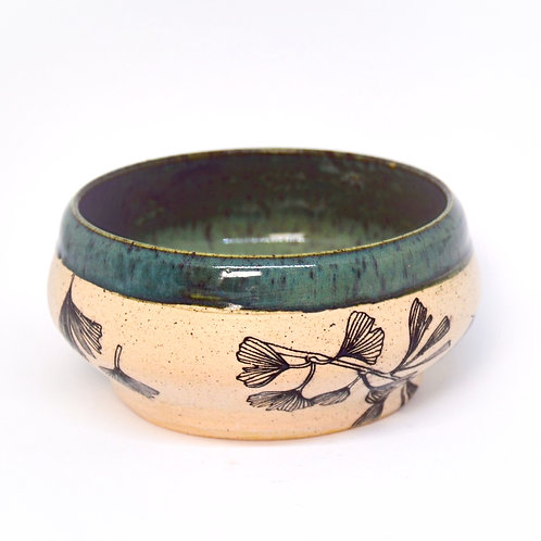 Green gingko leaves bowl