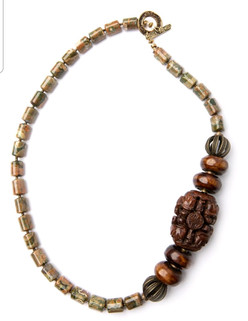 Tan Necklace 1.jpg