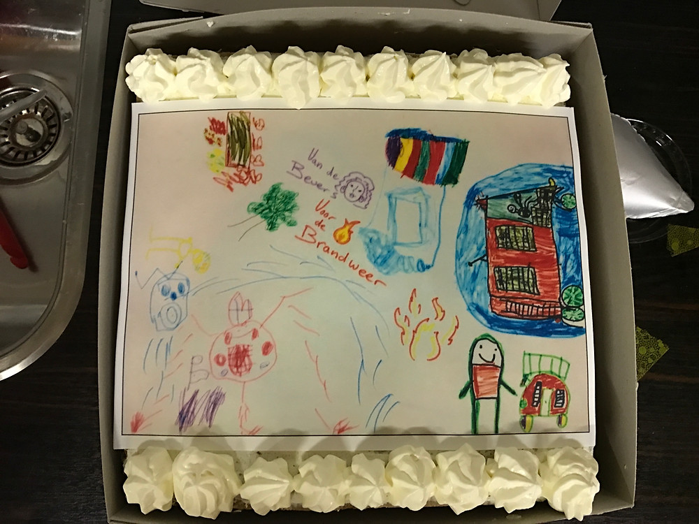 taart met tekening van de Bevers voor de Brandweer