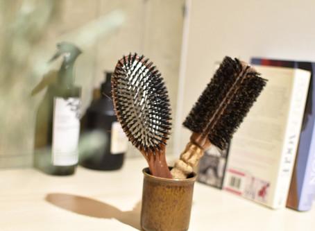 髪を梳かすという習慣