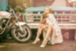 Lilly L. Pin Up Mdel und Rockabilly aus MÜnchen. Tattoo Model München. Burlesque änzerin München. Curvymodel München. Blonde Bombhell Burlesque aus Bayern. Burlesqueshow buchen. Showgirl Entertainment. Blonde Sexbomben aus München.