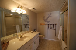 Gravois Suite Bathroom
