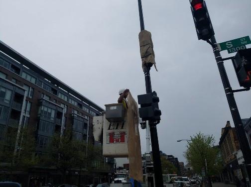 Installation of New Traffic Signal / Pedestrain Signal Heads