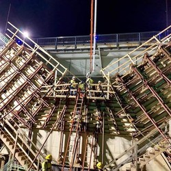 Night work on the V-Piers