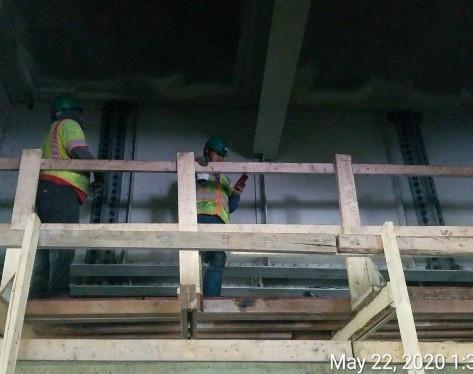 Installing Jacking Angles at Pier 14, South Bridge.