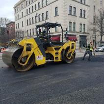 FMCC placing asphalt NB 14th St