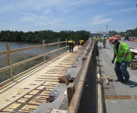 Installing Overhang Platform, South Bridge.