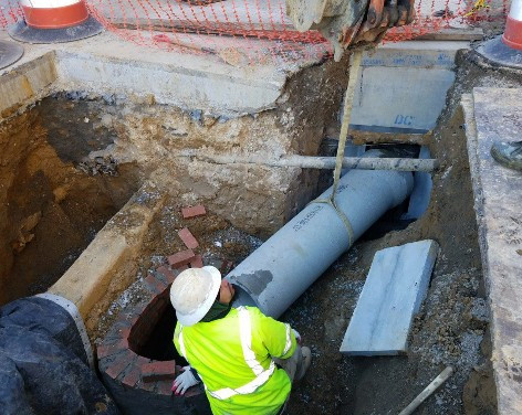 """Installation of 15"""" PCC connection Pipe across from 14th and Swann"""