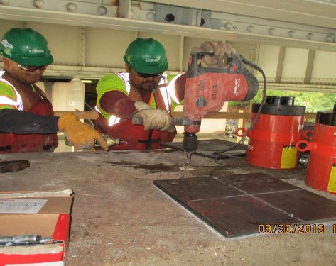 Prepping for Jacking at Pier 12, Noth Bridge