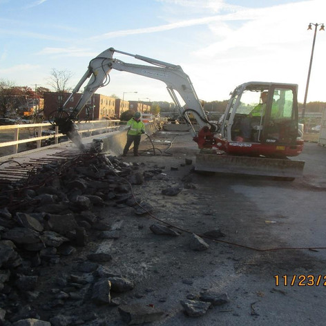 Parapet Demo, North Bridge.