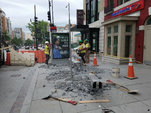 Disassembly of bus shelter at NWC of 14th & W St