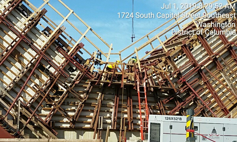 SCB loosen the formwork of FDMB V-Pier 1