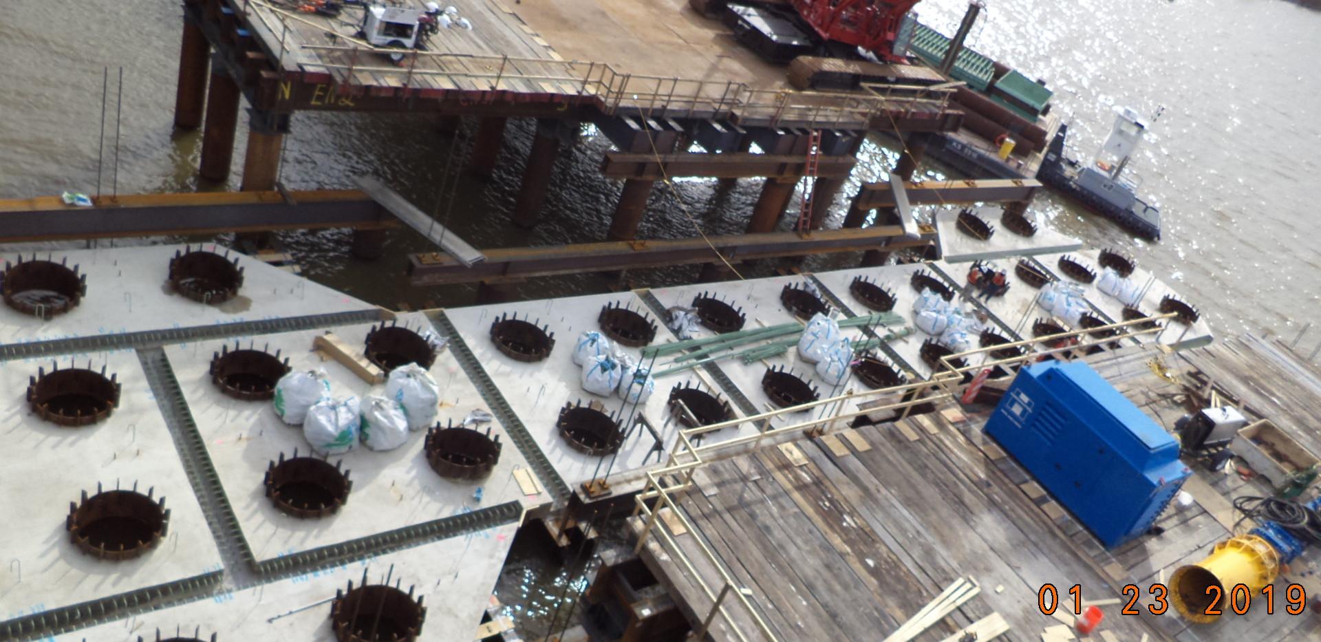 Setting V-Pier 2 soffit panel