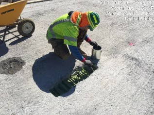 Applying bond compound for UHPC closure joint between modular unit 6-1 and 7-1