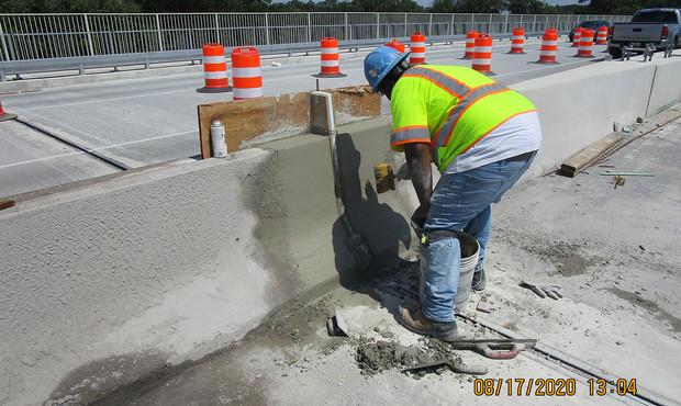 South Bridge Median Barrier Joint Reconstruction